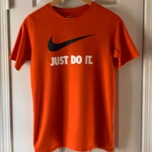 Nike Crew Neck Short Sleeve T-Shirt  YXL